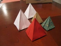 four-sided pyramid / square pyramid tutorial using one sheet...finally found!