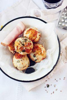 Muffins cu sunca, masline si mazare | Pasiune pentru bucatarie