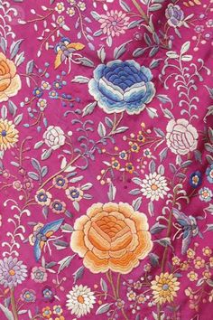 MIL ANUNCIOS.COM - Mantón de Manila antiguo, fucsia/color Decoupage, Chinese Embroidery, Exotic Beauties, Silk Shawl, Embroidery Fashion, Embroidered Silk, Latin America, Types Of Art, Textile Design