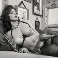 """Résultat de recherche d'images pour """"starlettes big tits"""""""