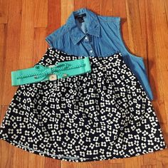 Black & White Floral Skirt Darling floral skirt with flare, so many ways to style. Elastic waistband in back only, silver zipper closure in back.   🌀Condition: Worn 2-3x, excellent condition  ❌no trades ✅in app transactions only  ✅make an offer ✅bundle and save Forever 21 Skirts Circle & Skater