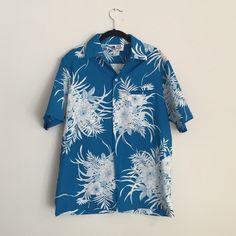 Vintage Hawaiian Short Sleeve Button Up Vintage Hawaiian Short Sleeve Button Up Tops Button Down Shirts