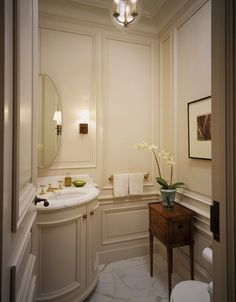 8 Vanity Looks for the Powder Room