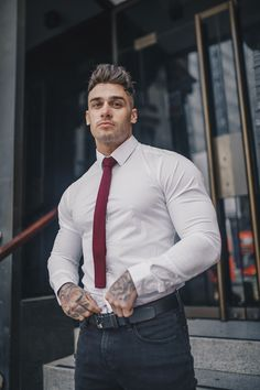 Shirts tailored perfectly to your body showcasing your physique. Mens Fashion Suits, Men's Fashion, Fashion Shoes, Hunks Men, Inked Men, Well Dressed Men, Attractive Men, Good Looking Men, Muscle Men