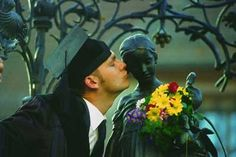 Göttingen_03: Doctor's Kiss for Mother Goose