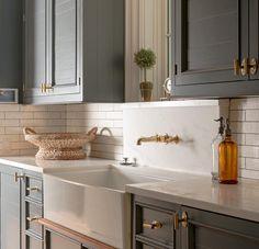 "195 Likes, 7 Comments - Pursley Dixon Architecture (@pursleydixonarchitecture) on Instagram: ""Kitchen inspiration #buildbeautifulthings #architecture #courtyardestate @axbinteriors…"""