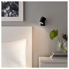 NYMÅNE Wall / reading lamp, fixed installation - white - IKEA candeeiro cama 20 € tem em preto Bedside Wall Lights, Bedside Lighting, Bed Lights, Ikea Wall Lights, Ikea Wall Lamp, Bedroom Wall Lights, Hanging Lamps, Wall Desk, Wall Lighting