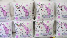 Almofadas personalizadas com tema unicórnio, para lembranças de aniversário infantil, noite do pijama e outras ocasiões. Unicorn Birthday Parties, Unicorn Party, 2nd Birthday, Happy Birthday, Fun Crafts For Kids, Diy And Crafts, Ideas Para Fiestas, Rainbow Unicorn, Projects To Try