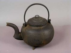 Cast Iron POT BELLIED 3-LEGGED TEA KETTLE WITH GOOSENECK SPOUT18,early 19th Century