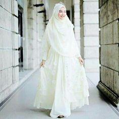 Wedding Gown Muslim Hijab Fashion Beautiful 52 Ideas For 2019 - Prom Dresses Design Muslim Wedding Gown, Muslimah Wedding Dress, Muslim Wedding Dresses, Hijab Bride, Muslim Brides, Muslim Dress, Bridal Dresses, Wedding Gowns, Muslim Hijab