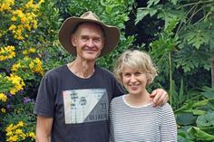 Food Street: Residents growing food by footpaths in Buderim asked to get permits and insurance - ABC News