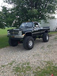Old School Chevy love lifted trucks !