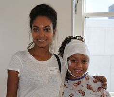 Lyndie Greenwood, star of Fox's Sleepy Hollow, visited Seacrest Studios at Children's Hospital of Orange County while taking a break from filming the show's second season. Lyndie stopped by for an interview and to meet patients after attending Comic-Con San Diego with her co-stars.