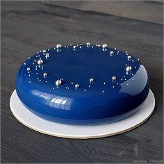 "Dark blue ""Star Sky"" mirror glaze cake"