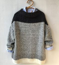 origami ◕ tricot laine pullover sweater knit wool noir et blanc - Outfits - Winter Mode Trendy Dresses, Blue Dresses, Casual Dresses, Wool Sweaters, Pullover Sweaters, Pullover Pullover, Casual Sweaters, Knitting Sweaters, Origami Patterns