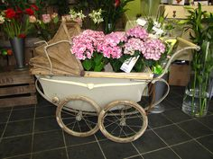 Dolls Prams, Vintage Flowers, Baby Strollers, Backdrops, Planters, Children, Baby Prams, Young Children