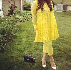 Short frock Pakistani Dress Design, Pakistani Outfits, Indian Outfits, Suit Fashion, Fashion Dresses, Short Girl Fashion, Frock Dress, Dress Skirt, Diwali Outfits