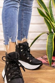 Fall Casual Shoes For Woman 2020 has never been so Beautiful! Since the beginning of the year many girls were looking for our Beautiful guide and it is finally got released. Now It Is Time To Take Action! See how...