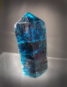 Fluorapatite / Ênio claim (Ênio pegmatite), Minas Gerais, Brazil
