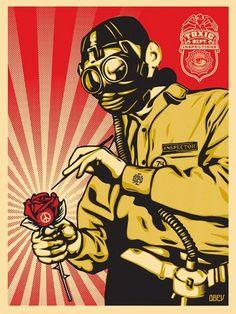 Street art OBEY Giant Peace Inspector - Ses couleurs favorites sont le rouge et le noir, des couleurs vives, provocantes.Elles sont utilisées dans la majeure partie de ses créations, comme la marque de fabrique de l'artiste. Il détourne les propagandes politiques populistes, communistes, nazies, chinoises en les juxtaposant à une publicité commerciale issue de la mondialisation.