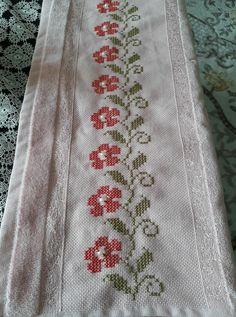 Cross Stitching, Cross Stitch Embroidery, Hand Embroidery, Cross Stitch Designs, Cross Stitch Patterns, Cross Stitch Flowers, Elsa, Diy And Crafts, Crochet