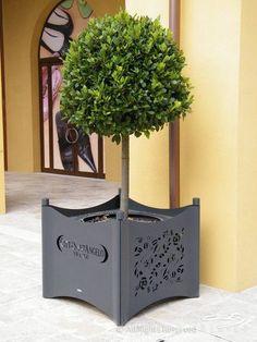 Metal planter for public spaces ZTL 601600 CITY DESIGN
