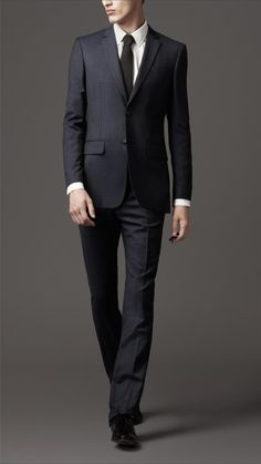 https://suitseparatesexpress.com/collections/above-40 Suits suits at cut-rate price.