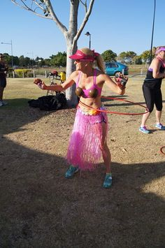 """I had a little hula hoop play this morning at Northlakes Parkrun.  Man it made me puff.  A study by the American Council on Fitness, """"Hooping: Effective Workout or Child's Play?"""" by Jordan Holthusen, M.S., et al., found that exercising with a hula hoop resulted in burning calories similar to exercises done in more rigorous programs like boot camps. Thirty-minutes of hula hoop exercise burns as many calories as the same amount of time spent doing more strenuous exercises."""