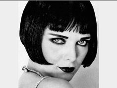 Louise Brooks cosplay by Michelle Pfeiffer