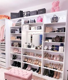 29 Luxury Walk-In Closet Designs Walk In Closet Design, Bedroom Closet Design, Room Ideas Bedroom, Closet Designs, Wardrobe Design, Dressing Room Closet, Dressing Room Design, Modern Closet, Vanity Room