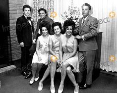 Johnny Cash with His Brothers and Sisters . Country Musicians, Country Music Artists, Country Music Stars, Country Singers, Johnny Cash June Carter, Johnny And June, Johnny Cash Daughter, John Cash, Carter Family