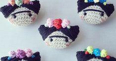 cosicasraquel ,regaloshandmade ,Jaca ,pattern crochet,free crochet, artesania jaca, crochetfree, yarn,manualidadespara todos Crochet Brooch, Crochet Hats, Amigurumi Tutorial, Beanie, Miniatures, Dolls, Blog, Sunday, Instagram