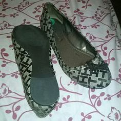 Tommy Hilfiger Shoes Flats New, never wear, to small.  They are a 8 but will fit 7-8. Tommy Hilfiger Shoes Flats & Loafers
