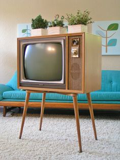 1950's Zenith TV, Black and White, tapered legs, Mid Century sleekandsimplelines.com
