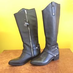Liz Claiborne genuine leather boots . Size 6 1/2 Cute leather boots! Never worn . NWT . SIze 6 1/2 Liz Claiborne Shoes