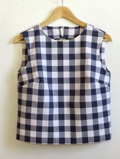 The Minimalist Hypothesis: Butterick 6175: Boxy Gingham Shell Top