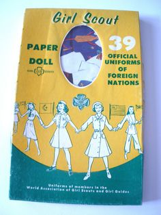 Vintage GIRL SCOUTS Paper Doll Official UNIFORMS of Foreign Nations by De Journette Mfg. in original box