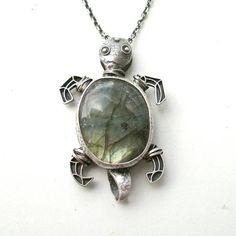 Tycjan Silver Labradorite Turtle Pendant
