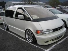 Theme Tuesdays: Toyota Estima/Previas - Stance Is Everything Toyota Van, Toyota Previa, Mini Vans, Ford Expedition, Dream Machine, Wheeling, Custom Vans, Ford Explorer, Japanese Cars