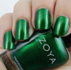 Zoya Holly
