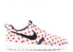 "Roshe Run Nm Qs ""Polka Dot Pack"" - Nike - 810857 106 - white/action red/black Pumas Shoes, Men's Shoes, Nike Shoes, Sneakers Nike, Adidas Boost, Nike Run Roshe, Cheap Puma Shoes, Air Jordan Shoes, Rihanna"