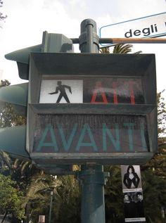 I primi semafori pedonali che abbiamo visto noi...