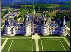 Simply beautiful. Few places in the world have as many gorgeous castles still standing as France... one day, I'd love to explore them.