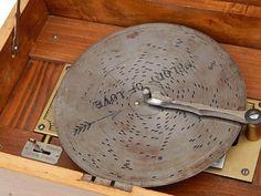 Antique-Victorian-Edelweiss-Swiss-German-Large-Metal-Disk-Music-Box-Hand-Crank