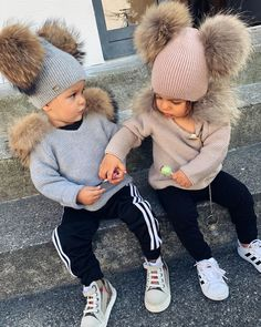 If you'd like to qualify for a credit card with the best interest rate, it's important to have a good credit sco Baby Boy Swag, Cute Baby Boy, Cute Little Baby, Pretty Baby, Cute Baby Clothes, Baby Kids, Cute Kids Fashion, Cute Outfits For Kids, Toddler Fashion