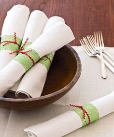 Homemade Christmas Napkin Rings- great way to use leftover wrapping paper scraps Christmas Paper Napkins, Christmas Napkin Rings, Christmas Table Settings, Christmas Table Decorations, Christmas Tables, Homemade Christmas, Christmas Crafts, Christmas Ideas, Christmas Christmas