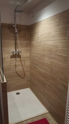 Wood Bathroom, Bathroom Flooring, Wooden Shutters, Tiles, Sweet Home, New Homes, Bathtub, House, Design Ideas