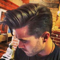 Looking for new mens hairstyles to spice up your style this year? In this gallery you will find the images of 30 Popular Mens Hairstyles 2015 - 2016 that you. Popular Mens Hairstyles, Boy Hairstyles, Formal Hairstyles, Wedding Hairstyles, Hair And Beard Styles, Short Hair Styles, New Hair, Your Hair, Estilo Cool