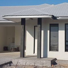 The exterior is looking Amazing! When you get to see the colours you chose at the very beginning & love them it's very exciting! We went for: @colorbondsteel 'Basalt' for the soon to be garage/ front door & fascia, @colorbondsteel / @duluxaus 'Monument' for the front pillars, @colorbondsteel / @duluxaus 'Surfmist' for the exterior wall colour and @colorbondsteel 'Shale grey' for the Roof. I love how the sunlight changes the shades and colour throughout the day. The driveway and mowing…