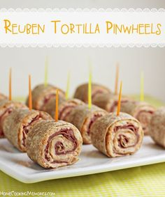 Reuben Tortilla Pinwheels - love reuben sandwiches? These bite-sized party appetizers will be your new favorite.